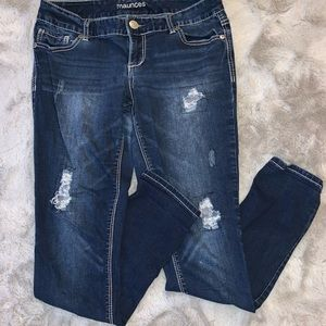 Maurices distressed jeans. Size medium.